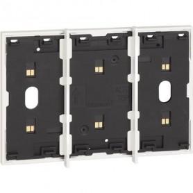 Marco electrificado Living Nowpara caja de 3 modulosBticinoKW8103para instalaciones MyHOME