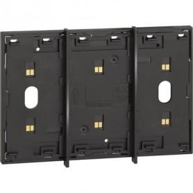 Marco electrificado Living Nowpara caja de 3 modulosBticinoKG8103para instalaciones MyHOME